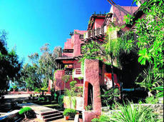 Las 'suites' del Hotel Marbella Club son obra de este arquitecto boliviano - malagahoy.es