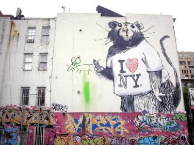 La rata que pintó el artista británico Banksy en una calle de Nueva York.  lamula.pe