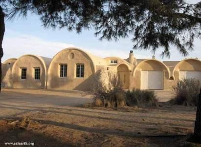 Casa ecológica  Una de las casas levantada en California por el arquitecto Nader Khalili. (Calearth.org)