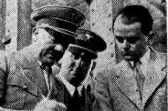 Albert Speer junto a Adolf Hitler - Hemeroteca LaVanguardia.com