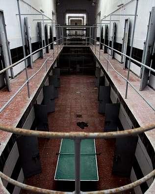 Una de las galerías de la antigua prisión provincial. LaVozdeGalicia.es