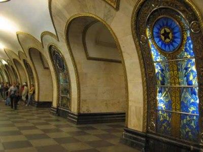 El metro de Moscú: arte bajo tierra - www.diariodelviajero.com
