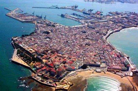 Vista aérea de Cádiz - www.bienaliberoamericana.org