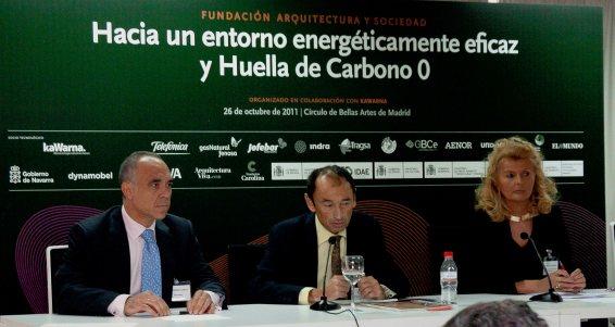 Alejandro García, KaWarna; José Tono Martínez, Fundación Arquitectura y Sociedad; e Isabel Tocino, Fundación Arquitectura y Sociedad.