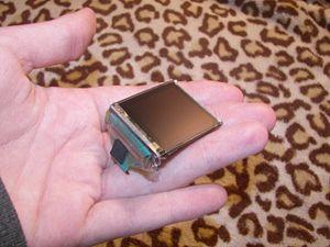 Prototipo de pantalla OLED de 3,8 cm de diagonal. Wikipedia