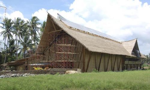 "Construyen una ""catedral de bambú"" en Indonesia - www.larepublica.pe"