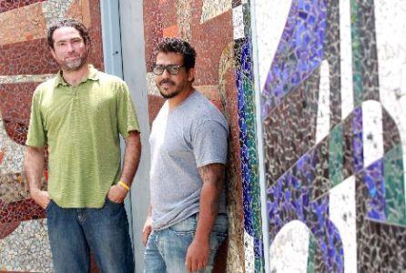 CERO Design lo componen los artistas Roberto Biaggi (a la izquierda) y Celso González. (Primera Hora / Pipo Reyes)