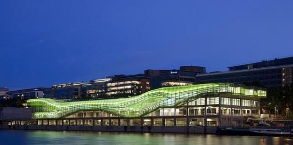 La Ciudad de la Moda, entre la estación de Austerlitz y la Biblioteca Nacional de Francia (BNF), en la orilla izquierda del Sena, París.