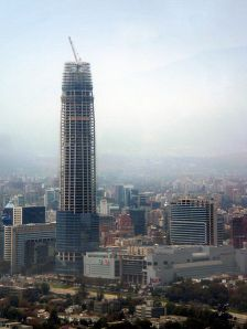 Costanera Center en abril de 2012. Wikipedia