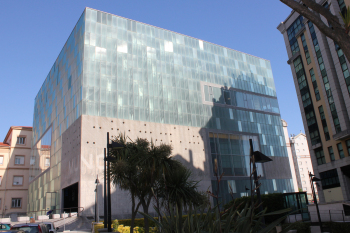 """Premiado """"Prisma de Cristal"""" proyectado por los arquitectos Victoria Acebo y Ángel Alonso - www.muncyt.es"""