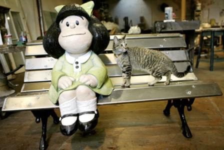 La estatua de Mafalda en San Telmo abre el recorrido del 'Paseo de la Historieta'. | Efe - ElMundo.es