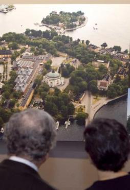 El arquitecto quiso que la exposición del Revillagigedo documentara su labor internacional - lne.es