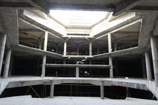 El Ryugyong Hotel El interior de un posible comedor del hotel - Facebook / Koryo Tours / huffingtonpost.es