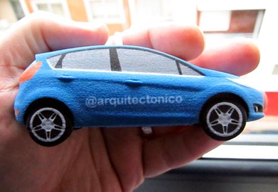 """Mi Ford Fiesta impreso en 3D con el """"nick"""" de mi Blog en Twitter @arquitectonico"""