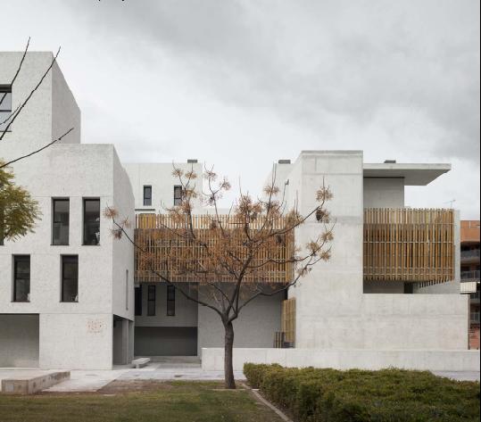 Viviendas protegidas, garajes y locales comerciales  - Proyecto: Arquitecto Alfredo Payá Benedito - Fotografía: David Frutos - www.bienalarquitectura.es