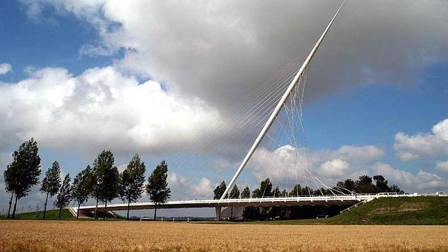 ABC Uno de los tres puentes de Calatrava en Haarlemmermeer