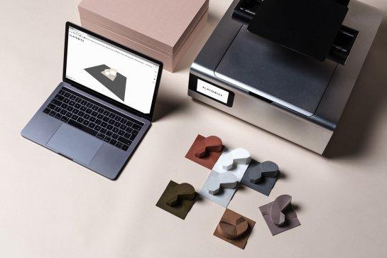 Ark, de Platonics, primera impresora 3D del mundo para arquitectos, junto a algunos de los modelos impresos en ella a partir de archivos CAD en el ordenador portátil - Fuente: Platonics, Finlandia.